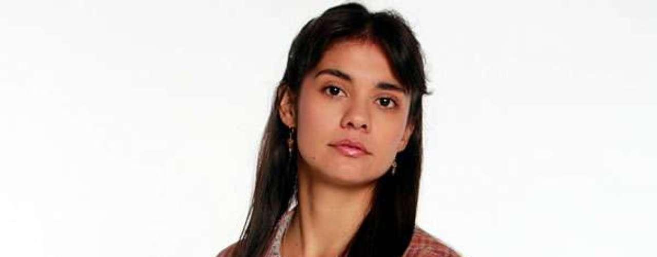 Eileen Moreno es Romualda Castaño: Es la más joven de la familia Castaño, pero al igual que sus hermanos, el carácter le sobra en la sangre.