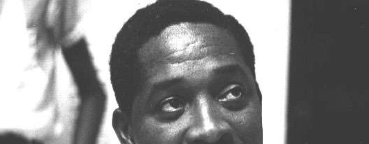 En 1985 el líderguyanés Linden Forbes Burnham recibió la técnica del embalsamamiento.