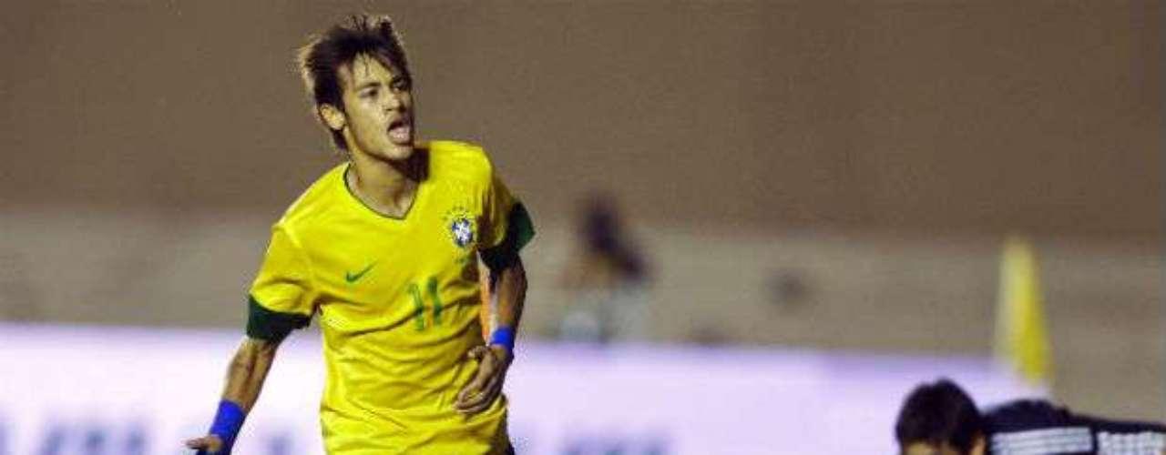 El país anfitrión, Brasil, tiene como su estandarte a Neymar. El delantero buscará explotar a toda costa su calidad técnica para ayudar a la ofensiva carioca, que ha tenido problemas últimamente para marcar anotaciones. El atacante, que es codiciado por varios clubes europeos, puede tener en la Copa Confederaciones su torneo de consagración.