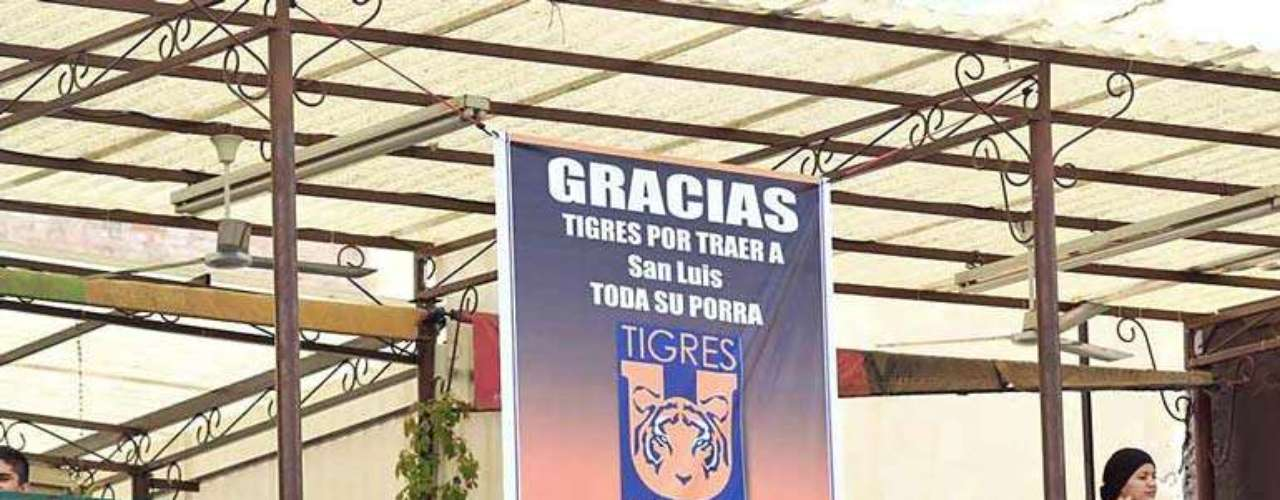 Los aficionados de Tigres se han apoderado de San Luis