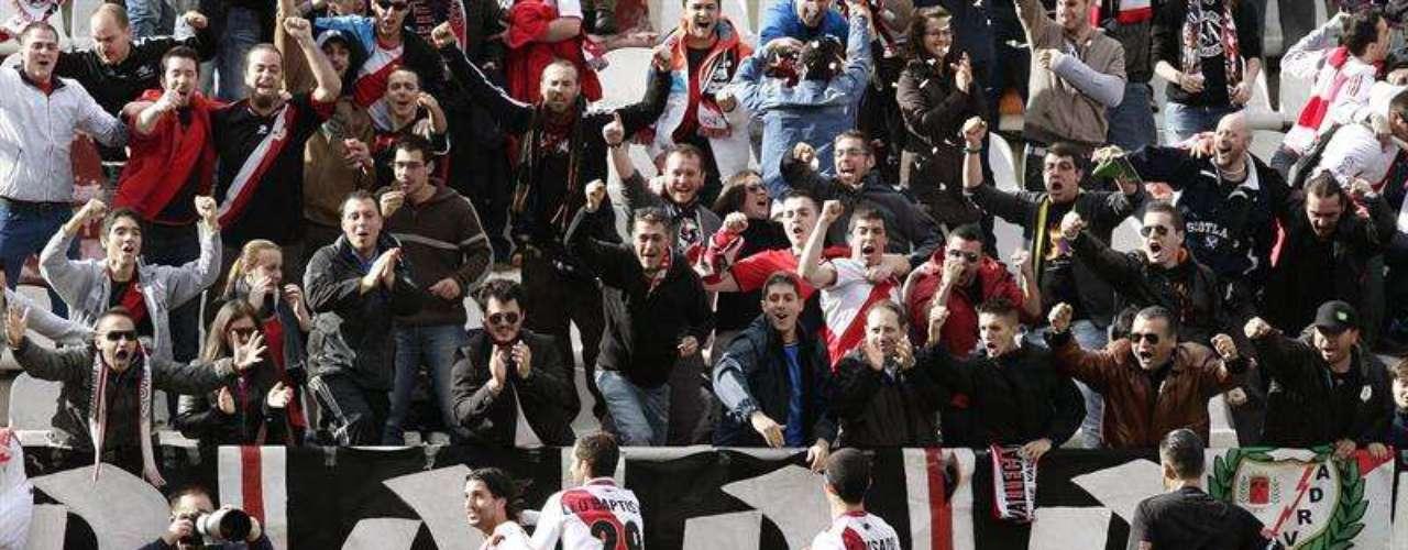 Rayo Vallecano venció 2-0 al Espanyol en Vallecas.