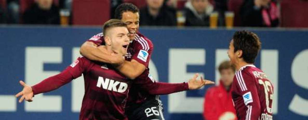 Alexander Esswein anotó en la victoria de Nuremberg 2-1 anteAugsburgo en calidad de visitante.