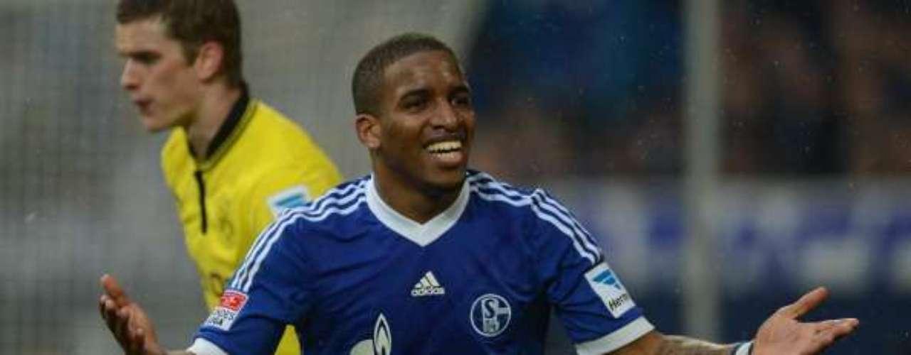 Borussia Dortmund perdió 2-1 en calidad de visitante anteSchalke, por lo que se desvanece el sueño de poder alcanzar al Múnich en la cima.