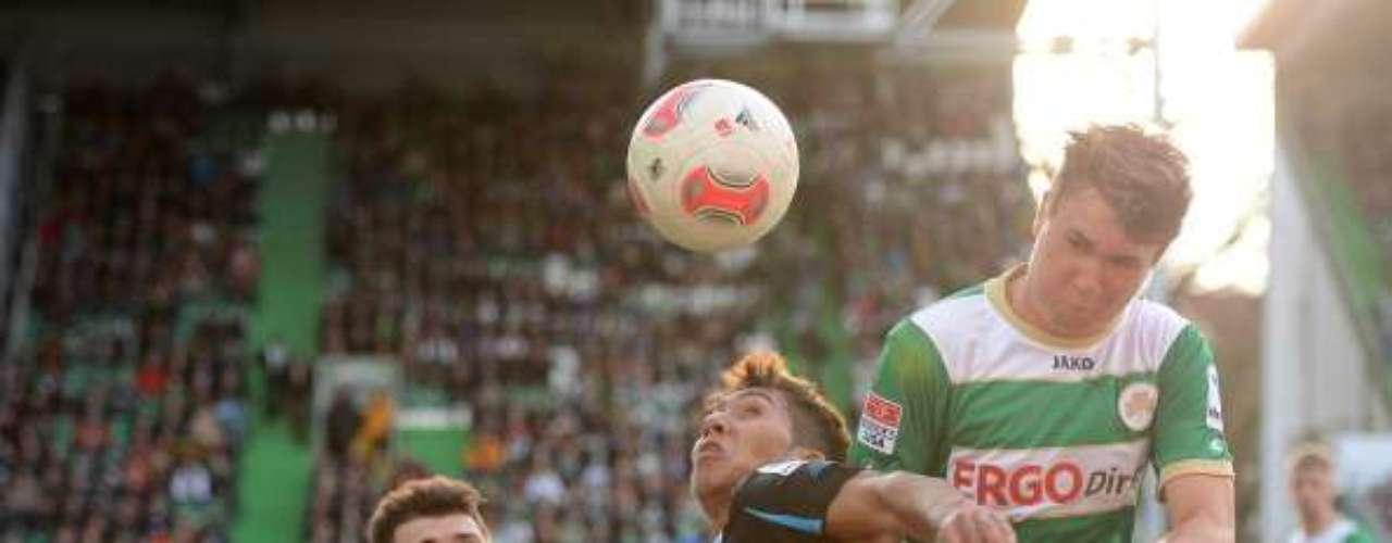 Greuther se hunde en el fondo de la tabla tras ser goleado 3-0 anteHoffenheim; sin embargo, ambas escuadras descenderían en estos momentos.