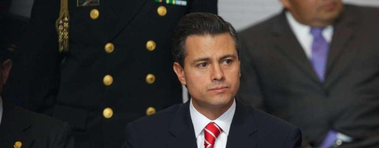 La influencia de Televisa en la política se había convertido además en uno de los reclamos centrales de la izquierda mexicana, que a menudo acusa a esa empresa de canjear cobertura positiva de políticos por trato regulatorio favorable.