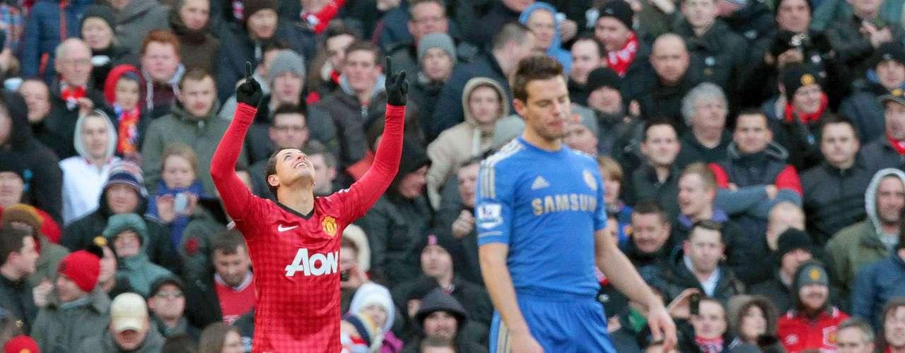 Con ese gol, el 'Chicharito' ya le ha marcado al Chelsea en todas las comptencias