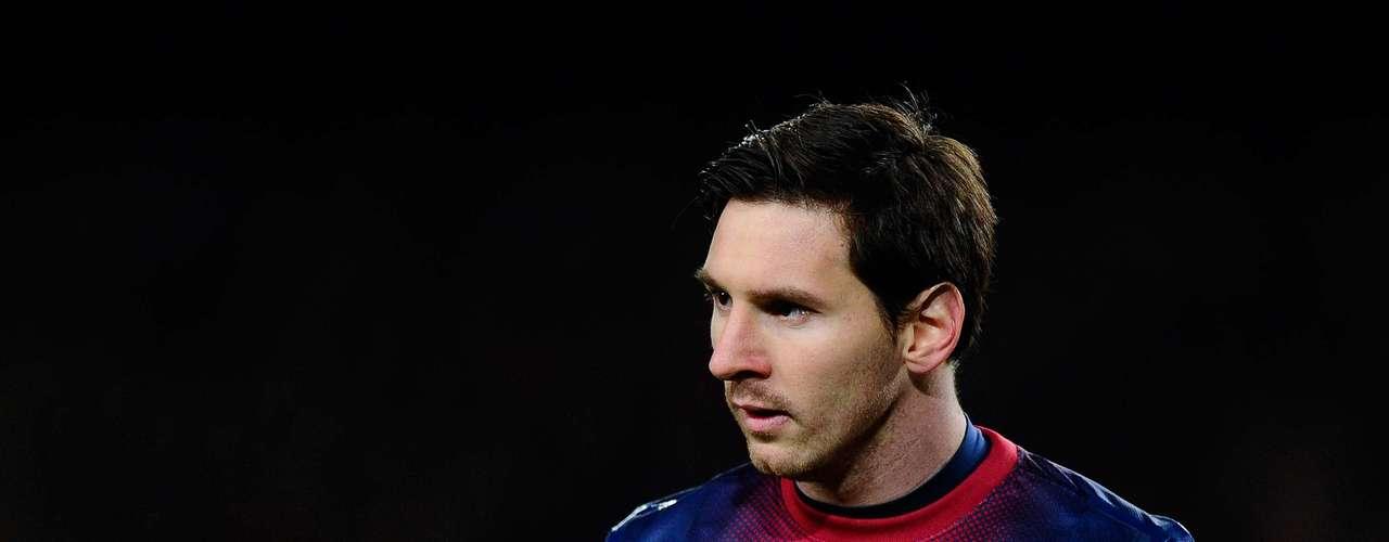El rosarino no pudo anotarle a los rossoneros, que se llevaron el triunfo por 2-0.