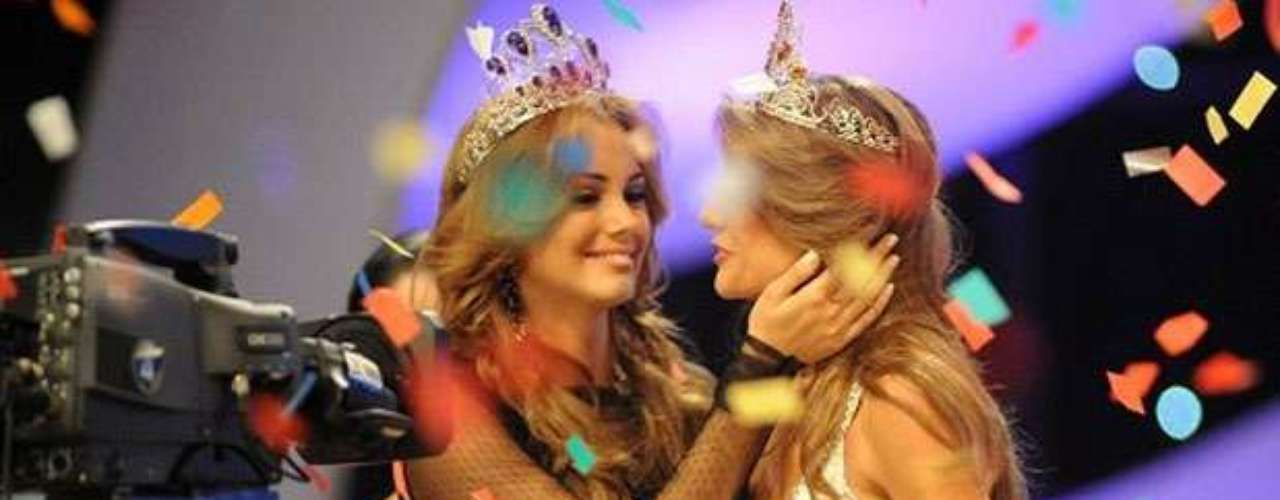 Miss Ecuador 2013 fue elegida entre 15 finalistas y recibió el título de su antecesora, Carolina Aguirre, quien representó al país en el certamen internacional el año anterior.