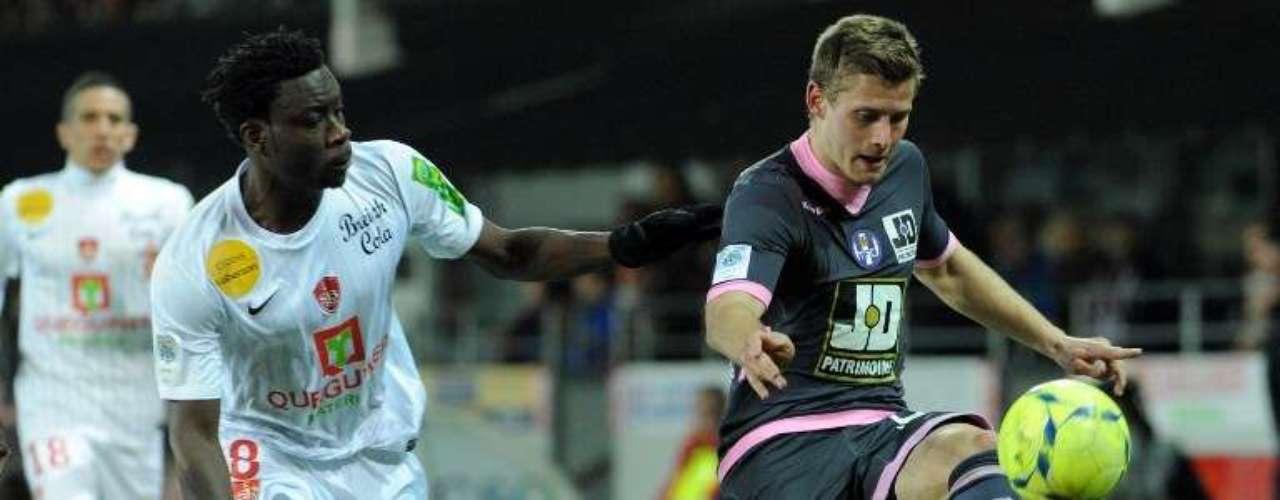 Toulouse derrotó a domicilio 1-0 al Brest.