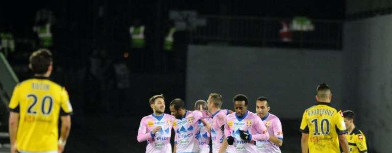 Evian goleó 5-1 al Sochaux y lo involucró en la batalla por evitar el descenso.