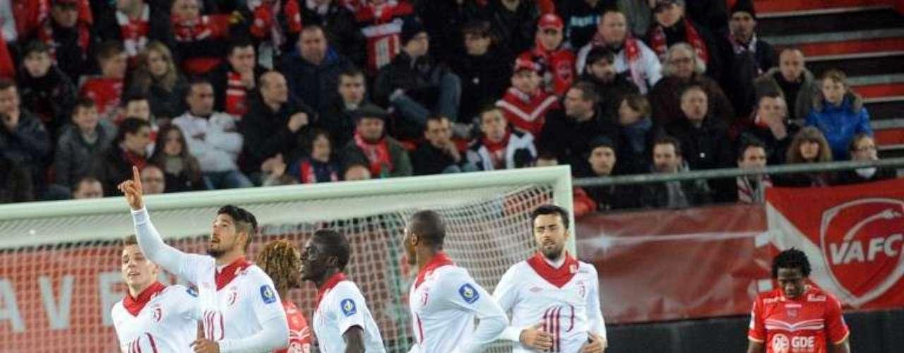 Lille ganó 3-1 en casa de Valenciennes y subió al sexto lugar.
