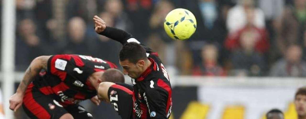 Niza derrotó 2-0 al Montpellier con doblete deStéphane Bahoken.