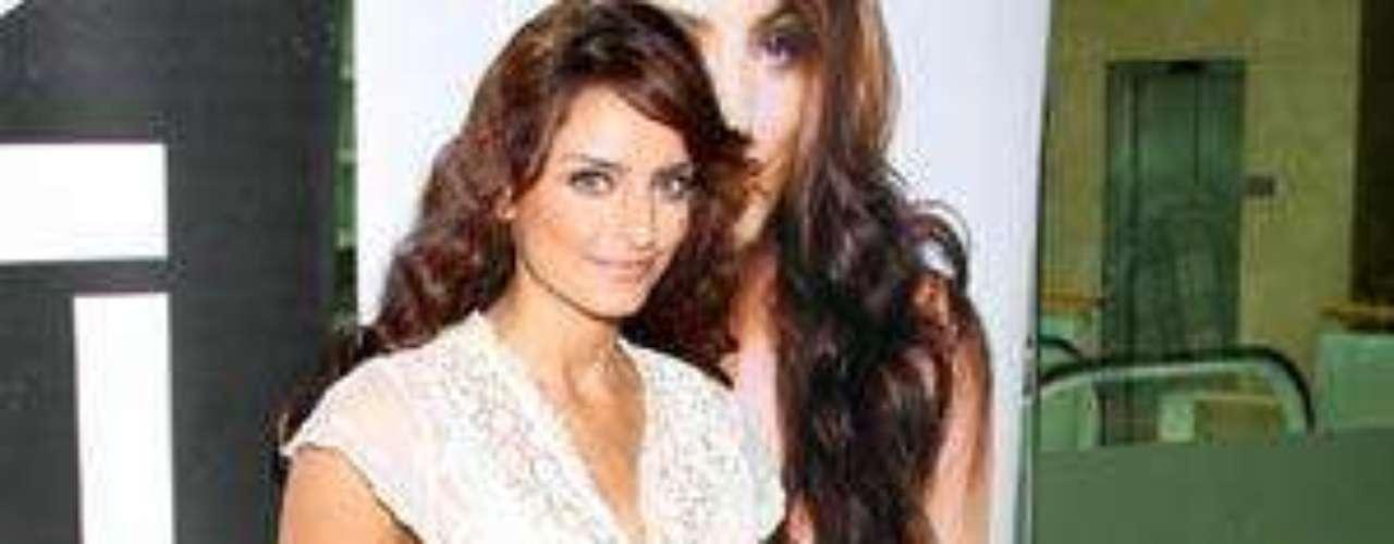 'A mí me encantó cómo salió ella (Alessandra Rosaldo), se vehermosa, yo quisiera estar como ella cuando tenga su edad'Aislinn Derbez: 'Llevar el apellido Derbez me haperjudicado'