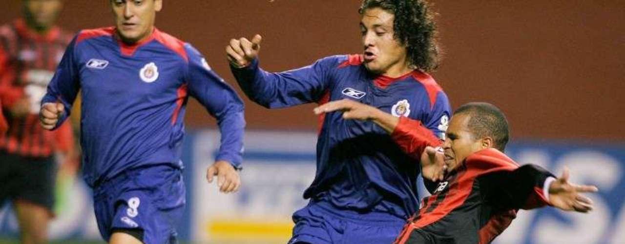 2005 - Atlético Paranaense 3-0 Chivas - Semifinal