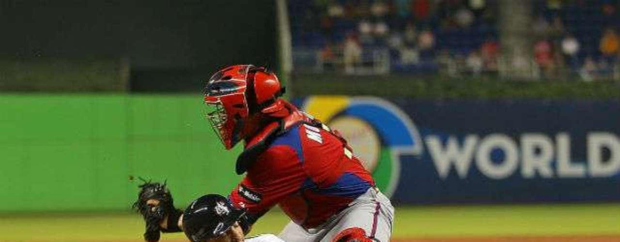 Wright destapó la olla con un doble de tres carreras en la octava. El antesalista de los Mets de Nueva York impulsó una en la tercera y otra en la quinta.
