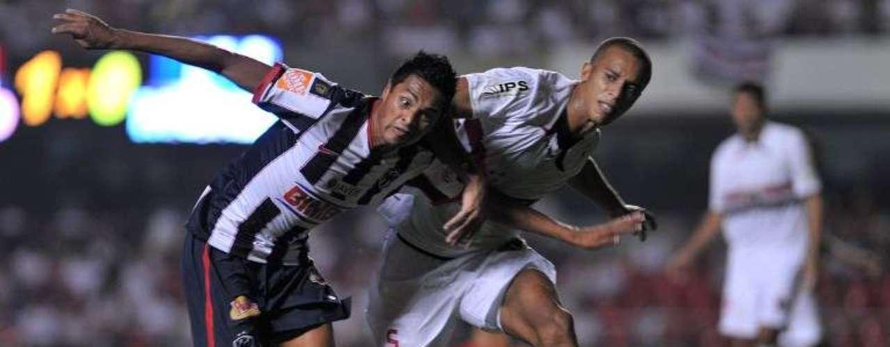 2010 - Sao Paulo 2-0 Rayados - Fase de Grupos