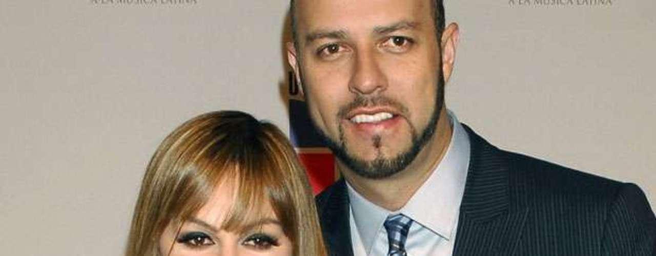 Esteban Loaiza, viudo de Jenni Rivera, no peleará la fortuna de la artista y, en cambio, escribirá un libro acerca de sus experiencias durante su matrimonio con \