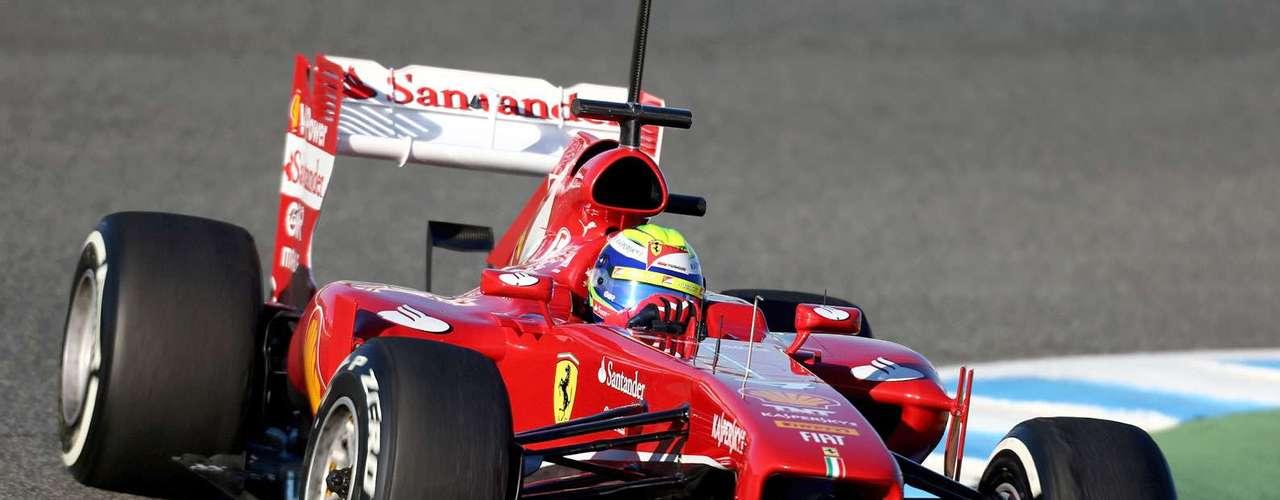 Felipe Massa (Ferrari). El piloto brasileño ha sido un excelente coequipero de Fernando Alonso en Ferrari. Comienza su octava temporada con el objetivo de volver a luchar por las victorias en cada carrera, ayudar a Alonso, llevar a Ferrari al título en pilotos y constructores.