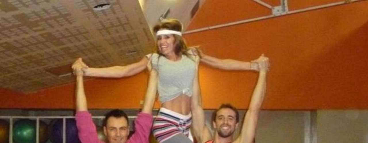 En 2012 firmó contrato con Ideas del Sur para participar del segmento 'Bailando por un sueño 2012'dentro del exitoso programa ShowMatch presentado por Marcelo Tinelli.