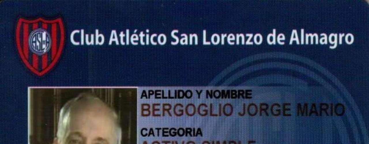 El Papa cuenta con su credencial vigente como socio del club de Almagro.