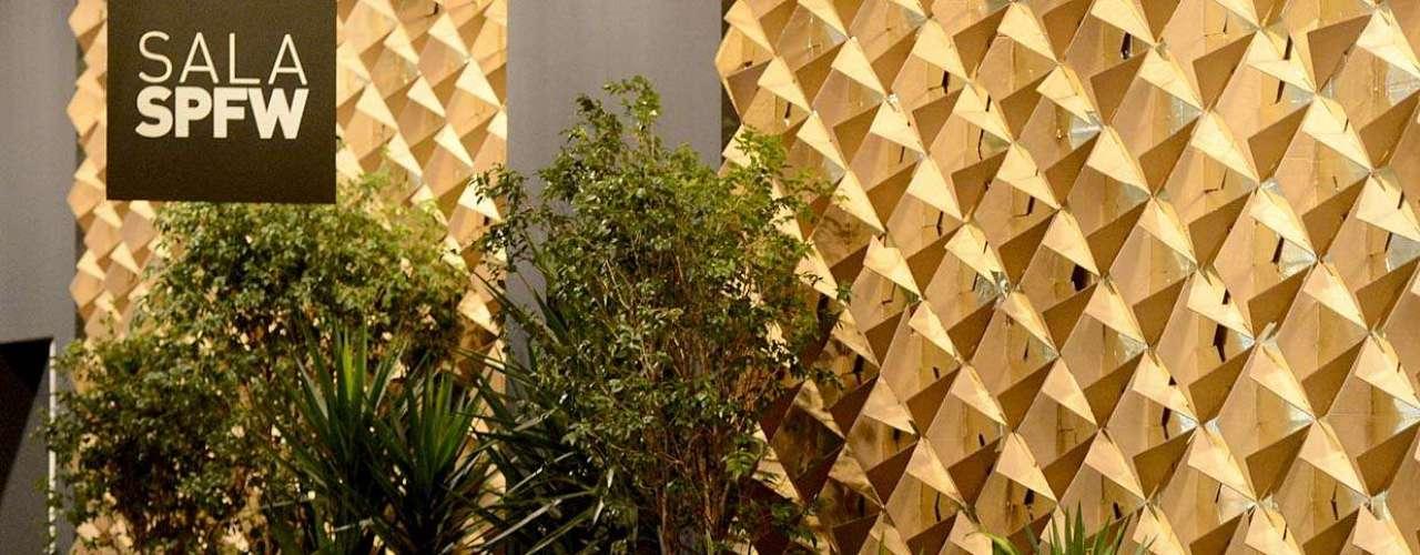 Los cactos Mandacaru son algunas de las plantas brasileñas que dan vida a la escenografía de la edición de verano.