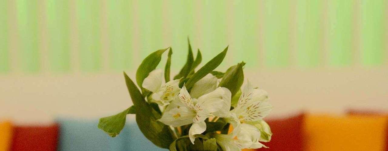 Las flores no podían faltar en un escenario de desfiles de verano.