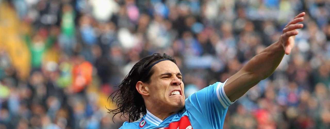 Serie A: 1. El líder de la tabla de artilleros de Italia es el delantero uruguayo del Napoli, Edinson Cavani, quien lleva 20 goles esta temporada. Este fin de semana anotó dos goles en la victoria 3-2 de su equipo sobre Atalanta.