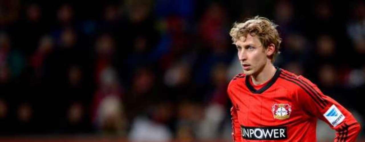 2. El segundo lugar es para el delantero alemán del Bayer Leverkusen, Stefan Kießling, quien lleva 16 goles. Este fin de semana no anotó.
