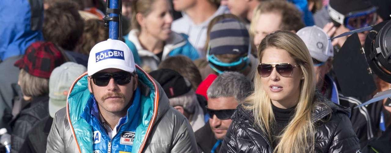 El esquiador estadounidense Bode Miller está casado con la jugadora de voleibol de playa y modelo Morgan Beck desde finales de 2012.