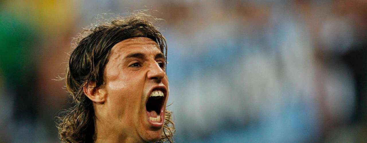 Hernán Crespo: Con un promedio de más de medio gl por partido, Crespo es el segundo lugar con 35 goles en 64 partidos.