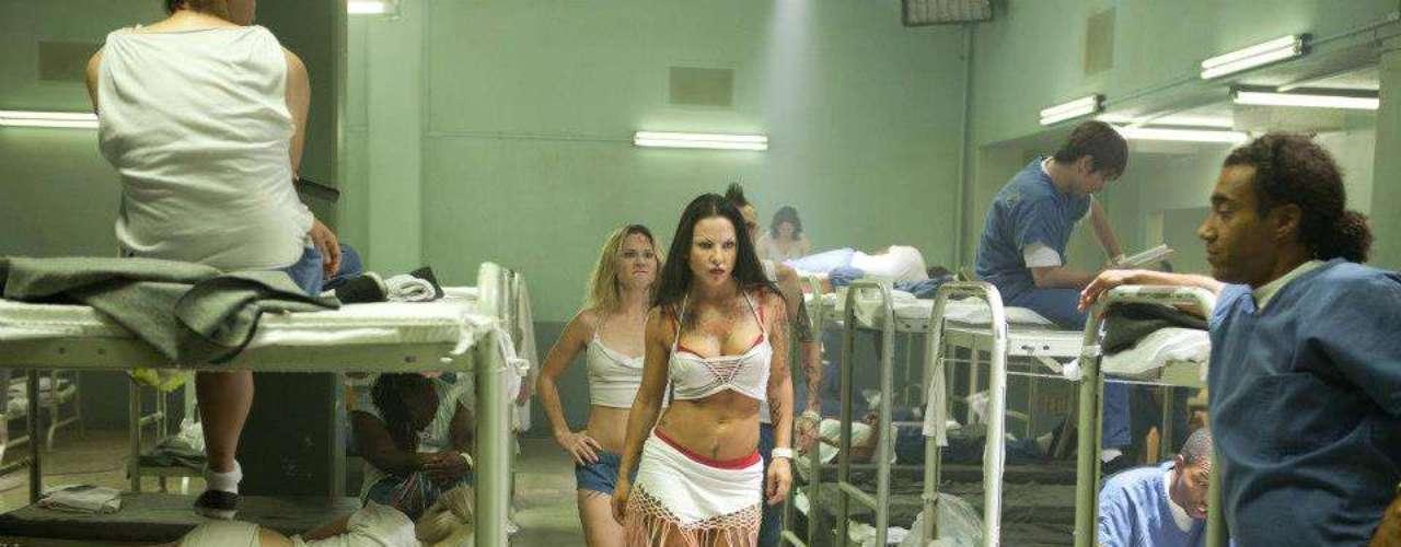 La trama de la película sucede dentro de una unidad especial de una cárcel de Los Ángeles, donde permanecen los presos más frágiles. Kate -o más bien 'Mousey'- es el encargado de poner la ley al interior del penal.