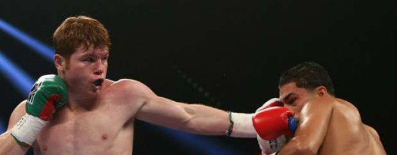 'Canelo' apenas tiene 22 años, pero ya comienza a ser reconocido como una de las grandes estrellas del boxeo. Marcha invicto con un récord de 41-1-0. Su próxima pelea será contra Austin Trout el próximo 20 de abril.