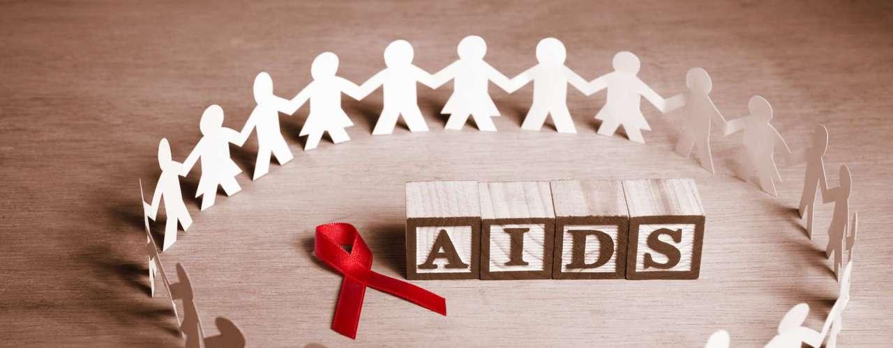 La tuberculosis es la principal causa de fallecimiento entre las personas afectadas por el VIH. Aproximadamente una cuarta parte de las muertes de personas afectadas por el VIH se debe a la tuberculosis. Sin embargo, a lo largo de siete años (de 2005 a 2011) se salvaron en torno a 1,3 millones de vidas mediante la prestación de servicios coordinados de detección, prevención y tratamiento de las coinfecciones por tuberculosis y VIH.