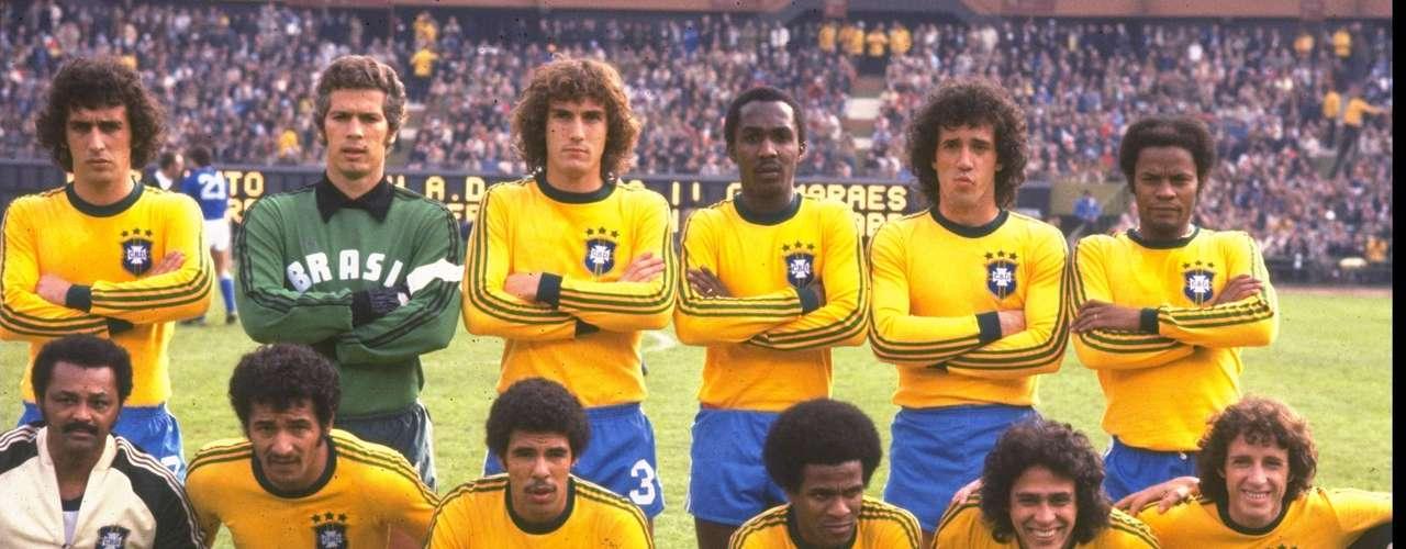 La selección brasileña obtuvo el tercer lugar en el Mundial Argentina 1978, al derrotar 2-1 a Italia, con goles de Nelinho y Dirceu.