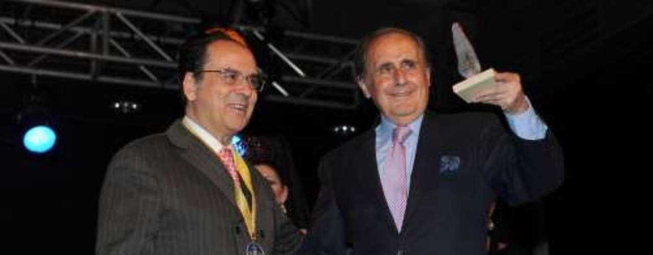 En la categoría de comunicación, el premio Cofrade lo recogió el polémico Jaime Peñafiel.