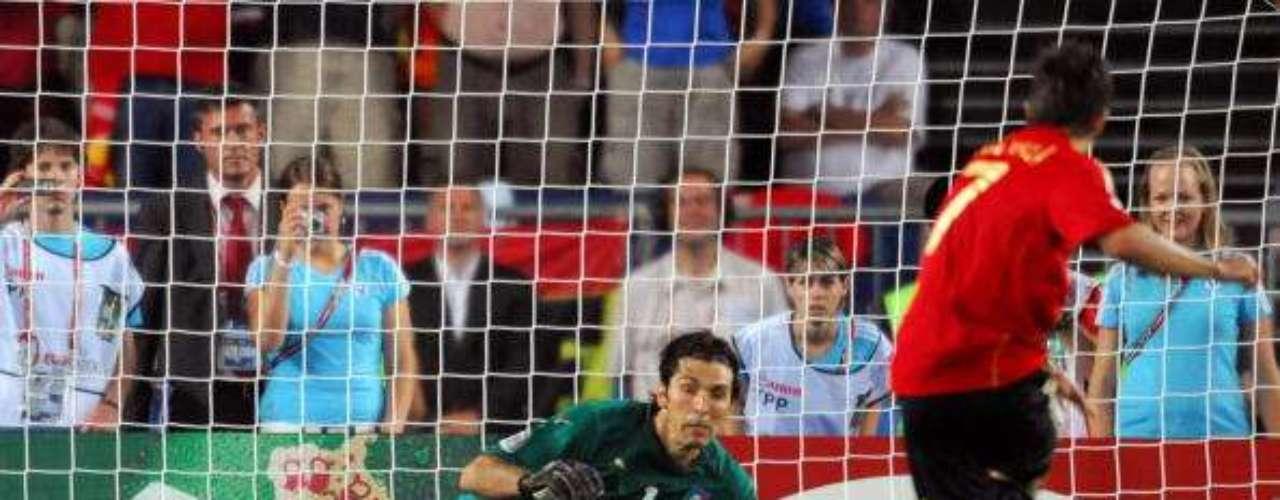 Batiendo a Buffon en la tanda de penaltis ante Italia en cuartos de final.