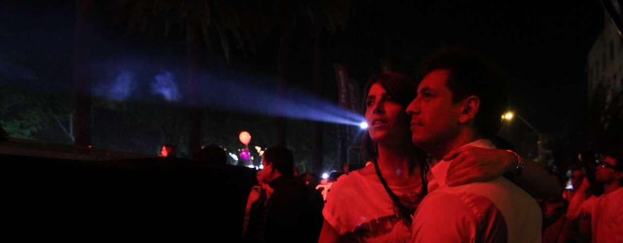 Durante la última noche del festival de la vendimia de Curicó, diversos rostros disfrutaron de las degustaciones y luego bailaron desaforadamente. Fue el caso de Paulina Rojas y, en particular, de Jorge López, el creador de \