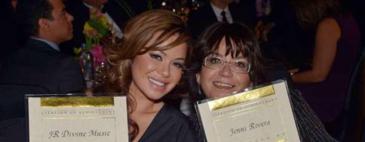 La fallecida Jenni Rivera hizo historia obteniendo su primer BMI Latin Music Awards, gracias a la canción \