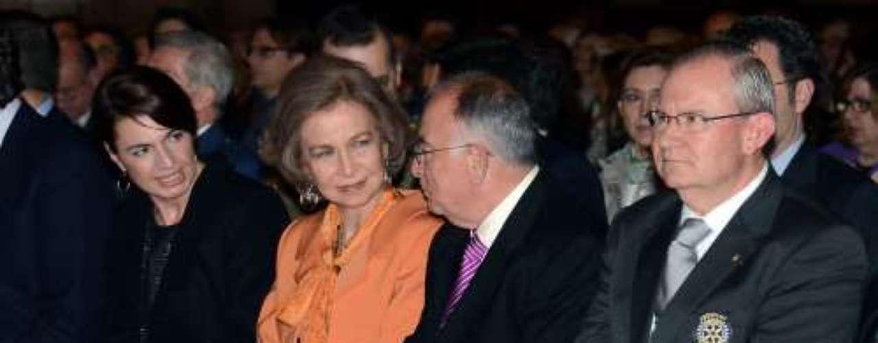 El repertorio estuvo interpretado por la orquesta sinfónica Ciutat de Palma. Una velada en la que la Reina se mostró muy cómoda y rodeada de amigos.