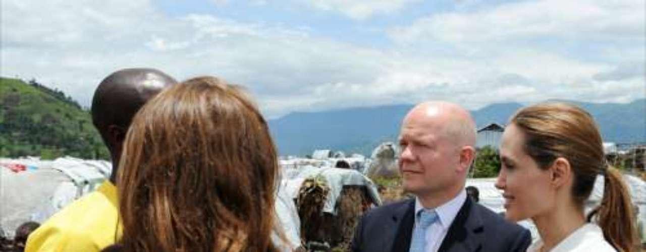 Esta visita conjunta del ministro y de la estelar actriz es una continuación de la colaboración que ambos iniciaron en mayo de 2012 con el lanzamiento de una campaña británica para prevenir las violaciones y la violencia sexual en situaciones de conflicto.
