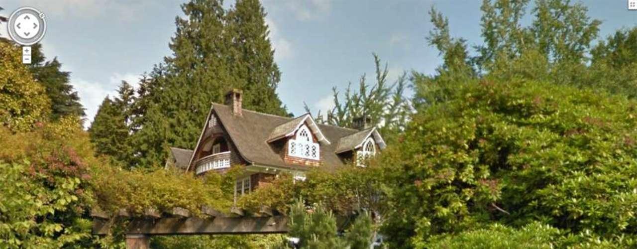 Cobain murió a los 27 años ensu garaje en Boulevard Lake Washington en Seattle.