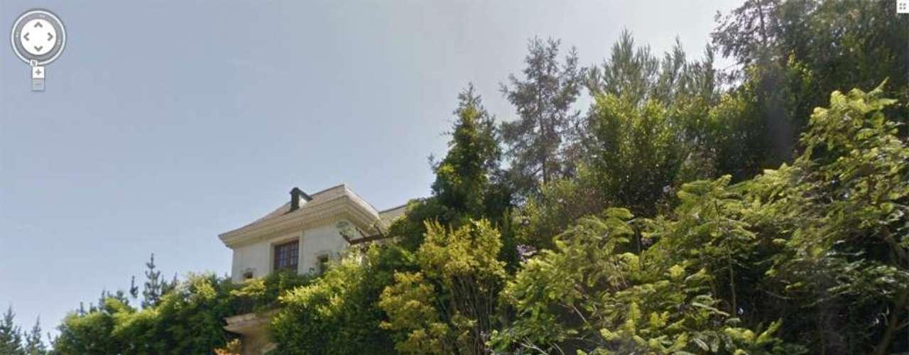 Michael Jackson fue encontrado en su domicilio Carolwood Drive en Los Angeles.