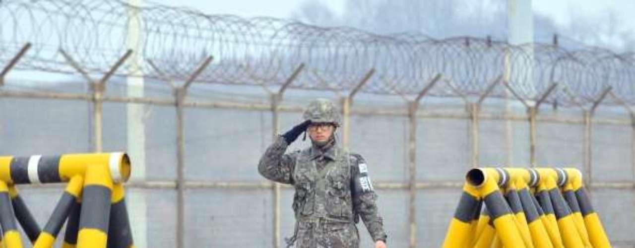La seguridad en la frontera de Corea del Sur continúa en altos níveles, sin embargo el acceso y salida de ciudadanos y vehículos, informaron medios locales, se mantiene con regularidad.