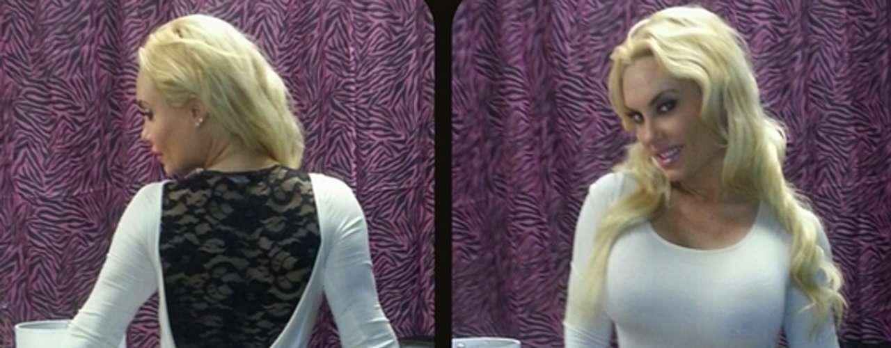 Por delante y por detrás. Coco Austin saca partido de su belleza cada vez que publica una foto enTwitter.