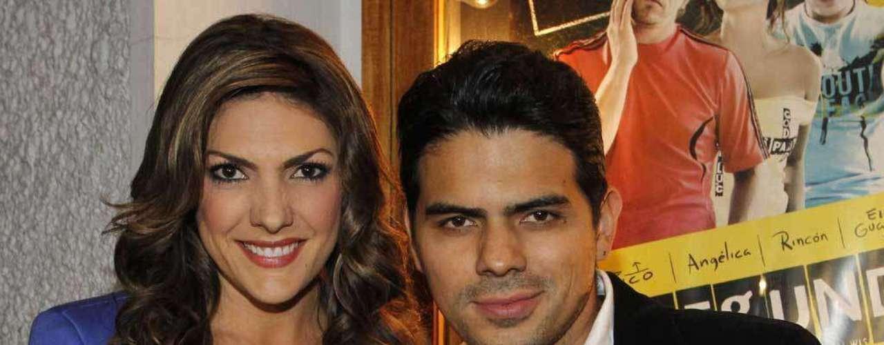 La presentadora Ana Karina Soto y el actor Alejandro Aguilar confirmaron que tenían un romance en 2011.