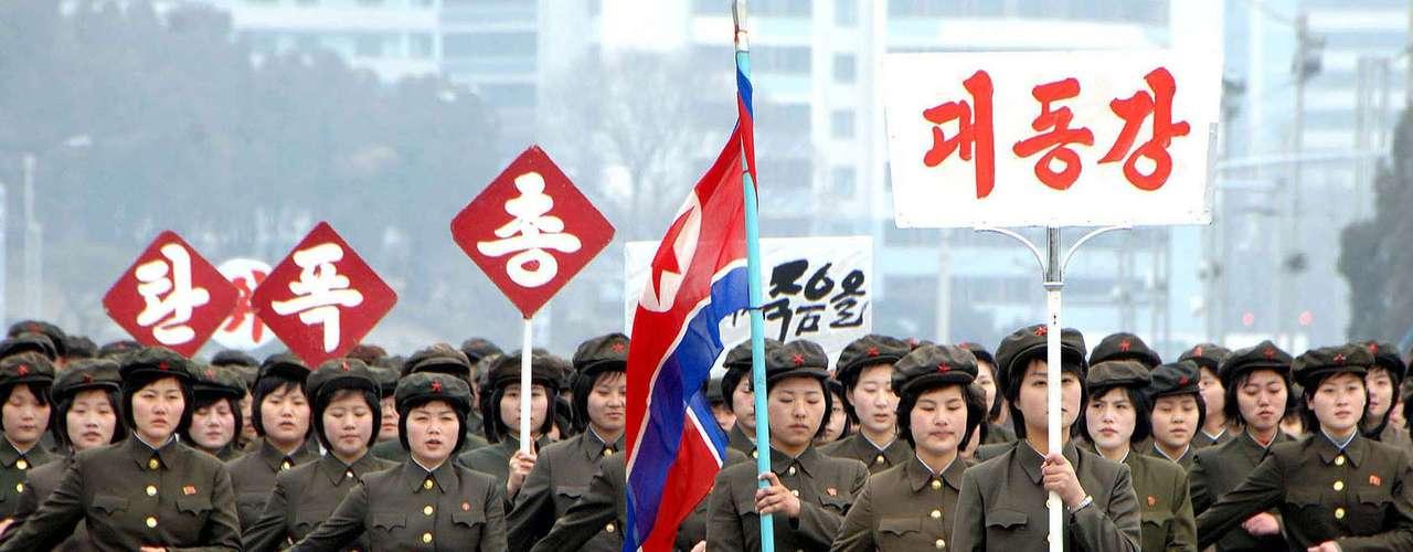 El enfrentamiento entre las dos coreas se remonta a los tiempos de la Guerra Fría cuando la península de Corea quedó amerced de los soviéticos y norteamericanos, después de que las tropas japonesas se retiraran.
