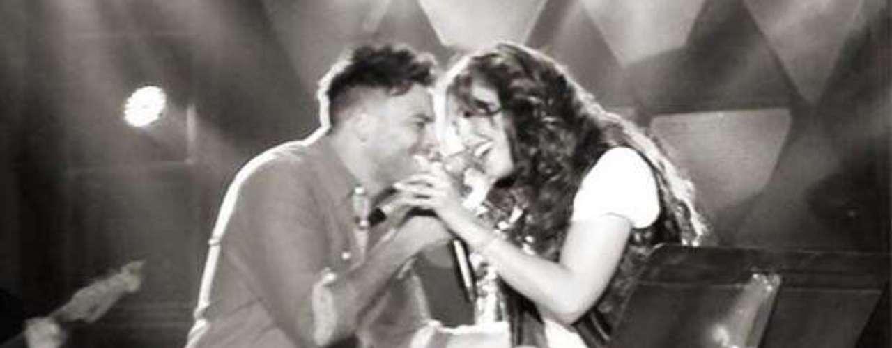 Thalía se puso romántica con Pedro Capó sobre el escenario, durante su más reciente concierto en Nueva York en el marco de su gira \