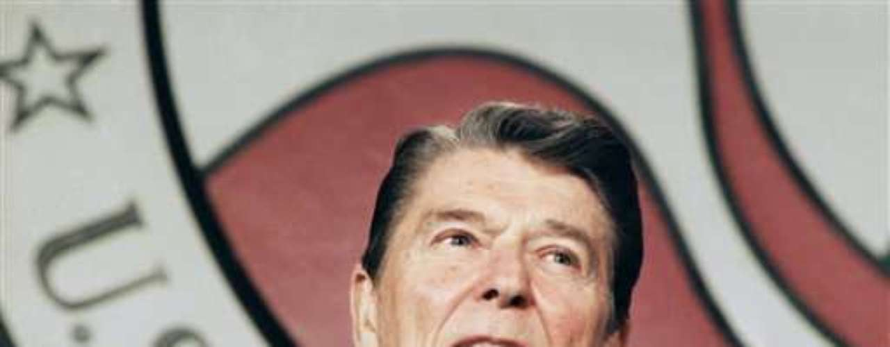 Durante una cena de Estado en Brasil en 1982, el entonces presidente estadounidense Ronald Reagan ofreció un brindis a los asistentes. El problema fue que el brindis lo hizo \
