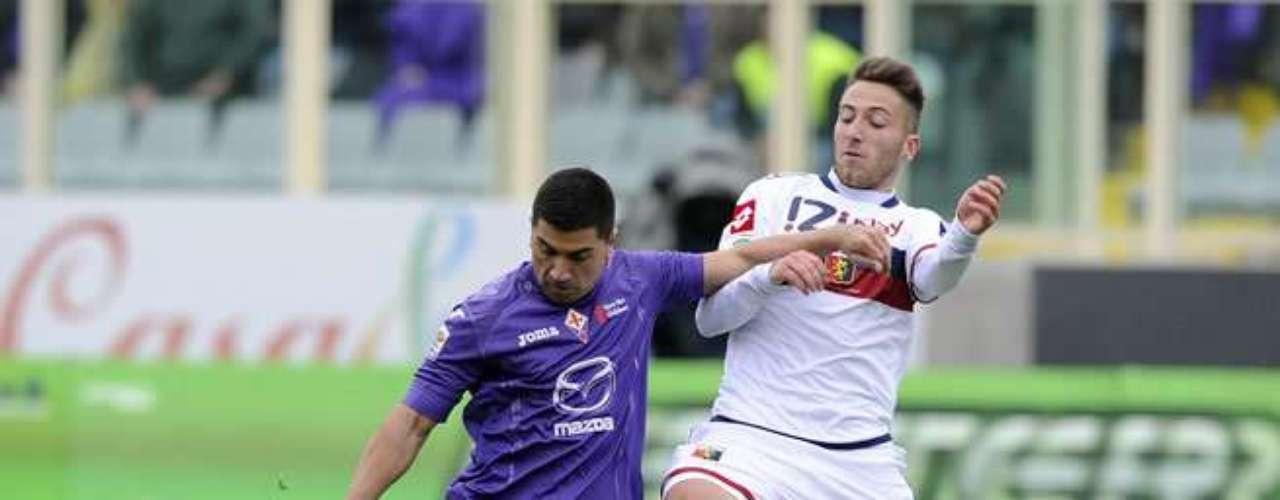 El chileno David Pizarro lideró el repunte de la Fiorentina y así festejó su gol de penal.