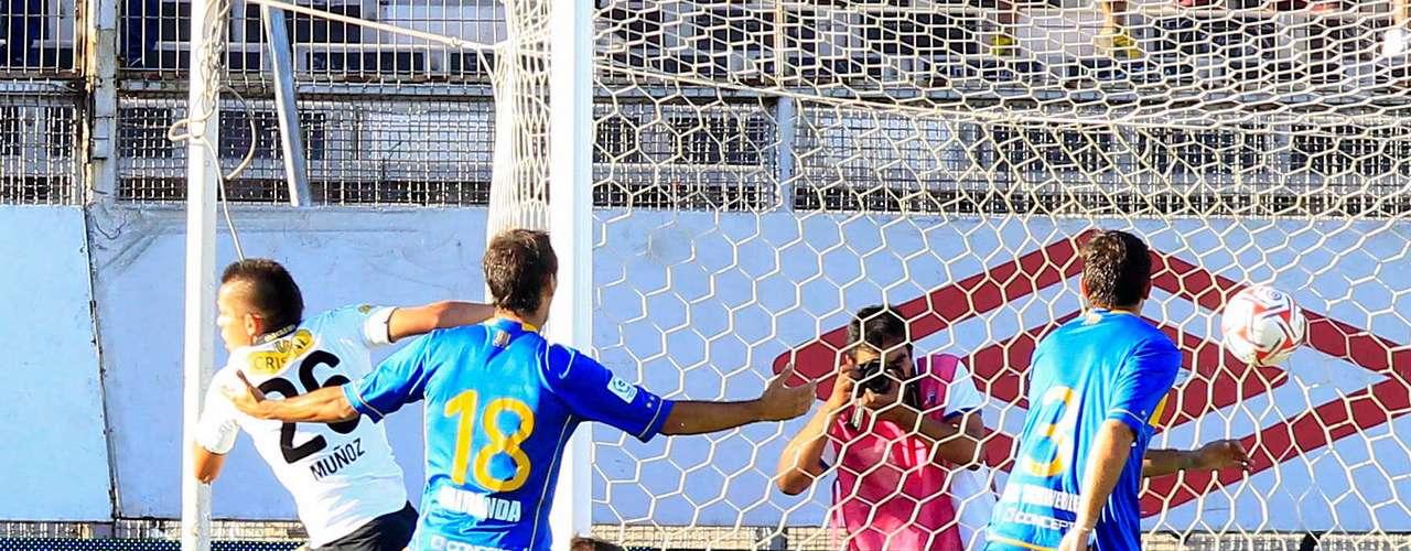 Los albos se impusieron por 3-0 en el Estadio Monumental al elenco viñamarino y volvieron a los triunfos tras más de un mes sin conocer de victorias.